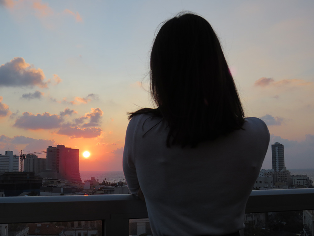 Me watching the sunset in Tel Aviv - Sabrillu